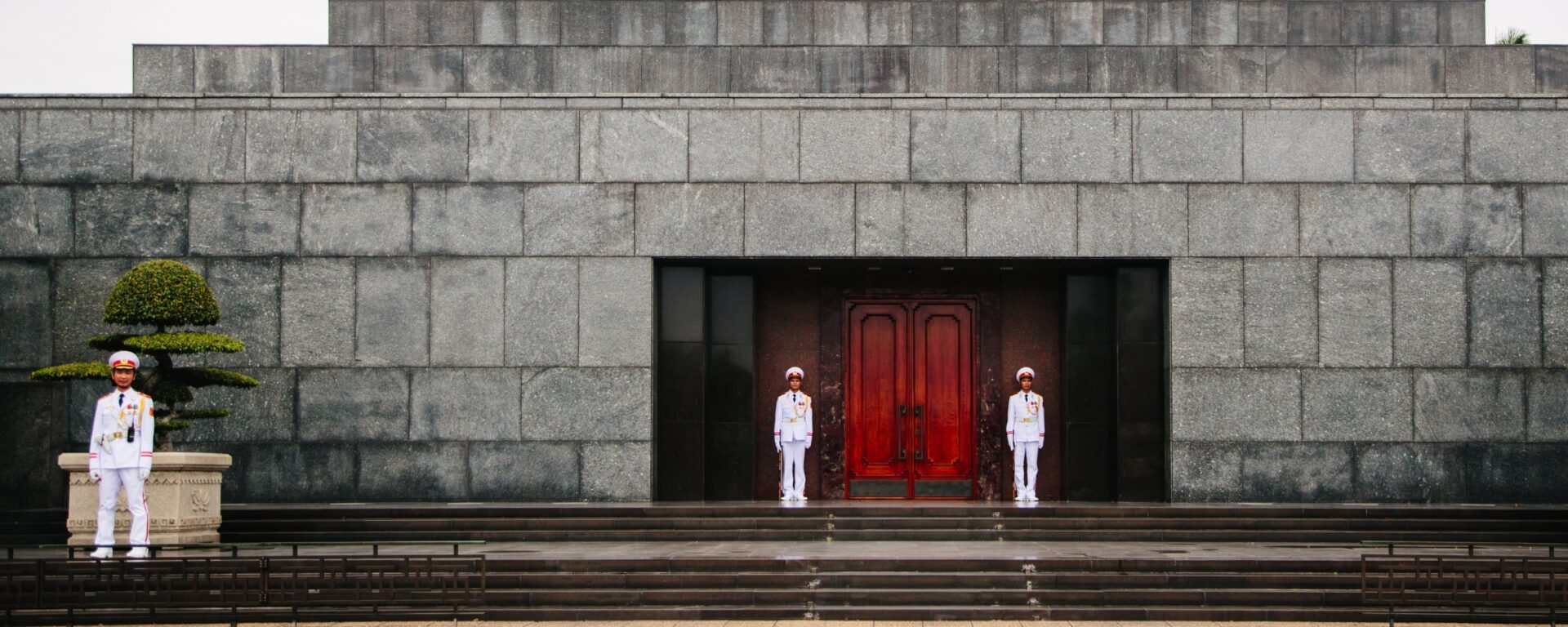 Highlights of Vietnam : Vietnam by Topas