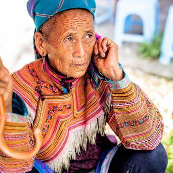 Topas Ecolodge - colourful minority - woman